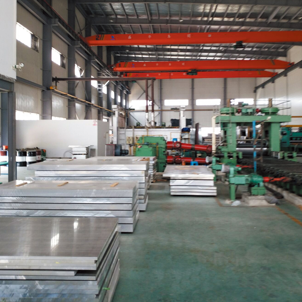 Reciprocating gantry type precision sanding, grinding, and polishing machine